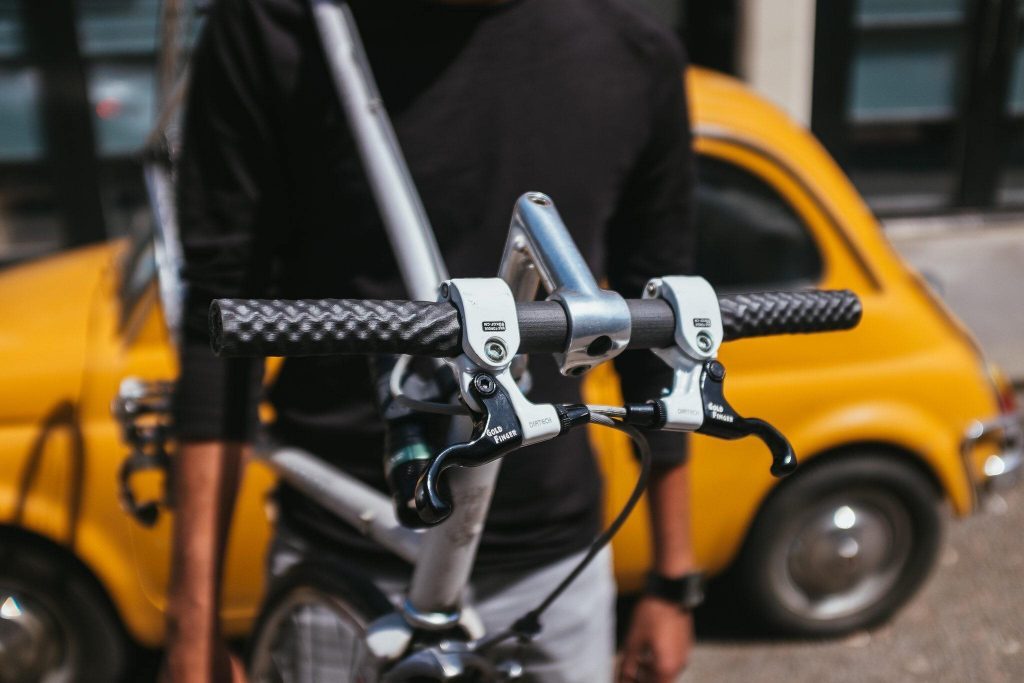 3D-printed bike handlebars with carbon fiber reinforced SLS nylon [Image credit: Graphite]
