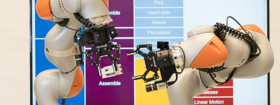 Siemens two-armed robot, aritificial intelligence